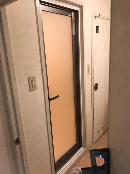 新しく交換した浴室ドア写真